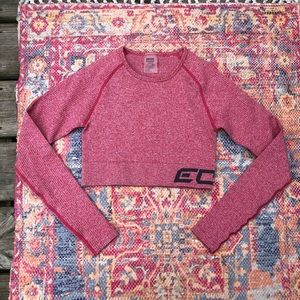 Echt Red arise long sleeve robbed crop top